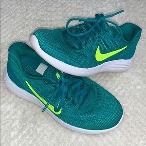 green nike running lunarlon